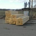 Smrkové stavební trámky